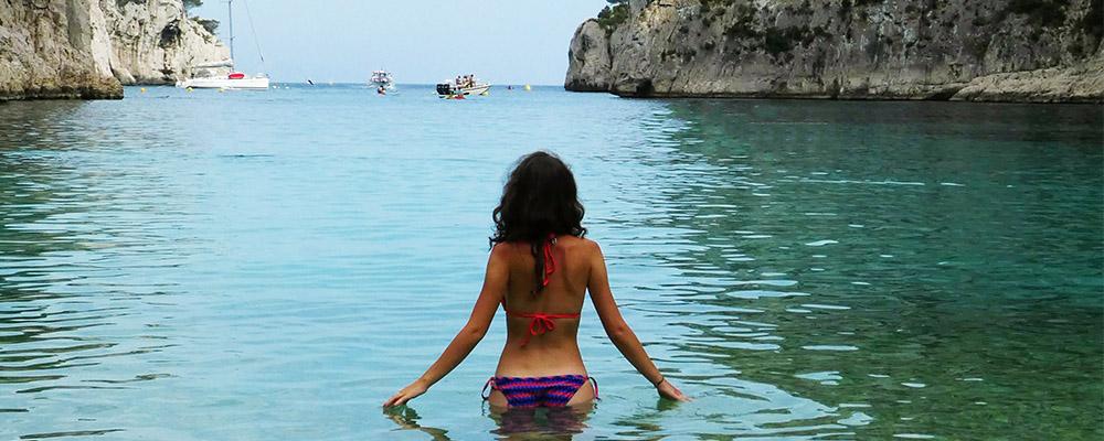 bikini plage eau turquoise